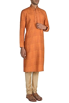 Orange Digital Printed Kurta Set by Vanshik