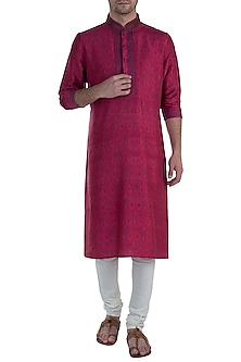 Magenta Digital Printed Kurta with Pants by Vanshik