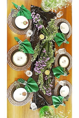 Black & Green Table Decor Box (6 Seater) by VPOP