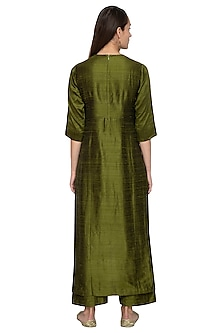 Green Embroidered Raw Silk Kurta With Palazzo Pants by Vishwa by Pinki Sinha
