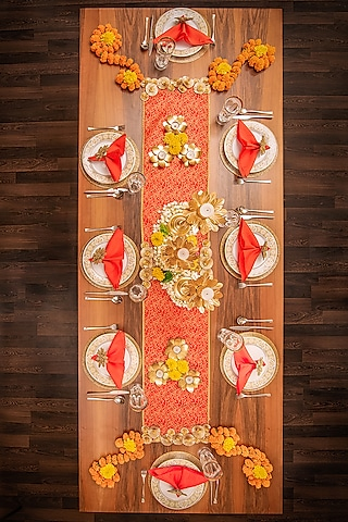 Red Table Decor DIY Box (Set of 43 Pieces) [8 Seater] by VPOP