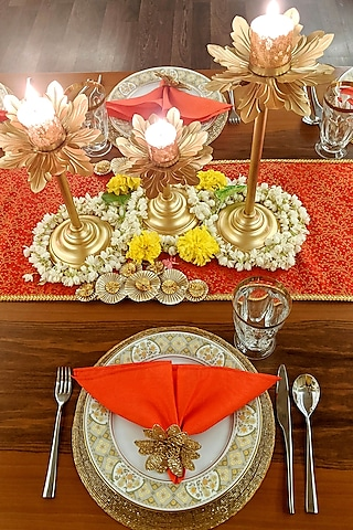 Red Table Decor DIY Box (Set of 49 Pieces) [10 Seater] by VPOP