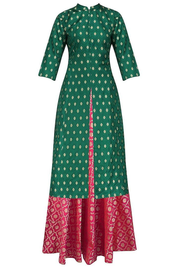 Green Tanchoi Kurta and Brocade Skirt Set by Vishwa by Pinki Sinha