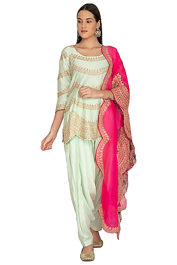 Mint Green Embroidered Kurta Set by Vasavi Shah