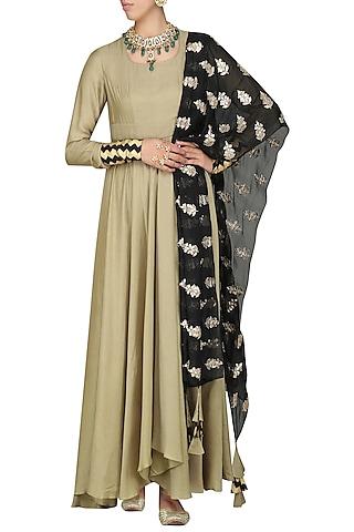 Beige Asymmetrical Kurta with Black Dupatta by Vasavi Shah