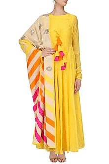 Yellow Chanderi Kurta with Printed Kora Dupatta by Vasavi Shah