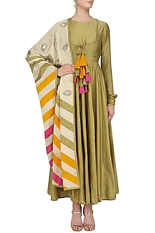 Military Green Chanderi Kurta with Printed Kora Dupatta by Vasavi Shah