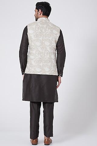 Brown Kurta Set With Printed Bundi Jacket by Vavci