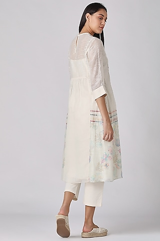 Ivory Floral Embroidered Tunic by Varq By Varun Nidhika