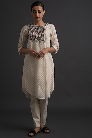 Ivory Floral Embroidered Wrap Tunic by Varq By Varun Nidhika