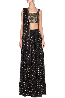 Black embroidered sharara pants set by Vvani by Vani Vats
