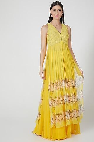 Yellow Printed Kurta Set by Yashodhara