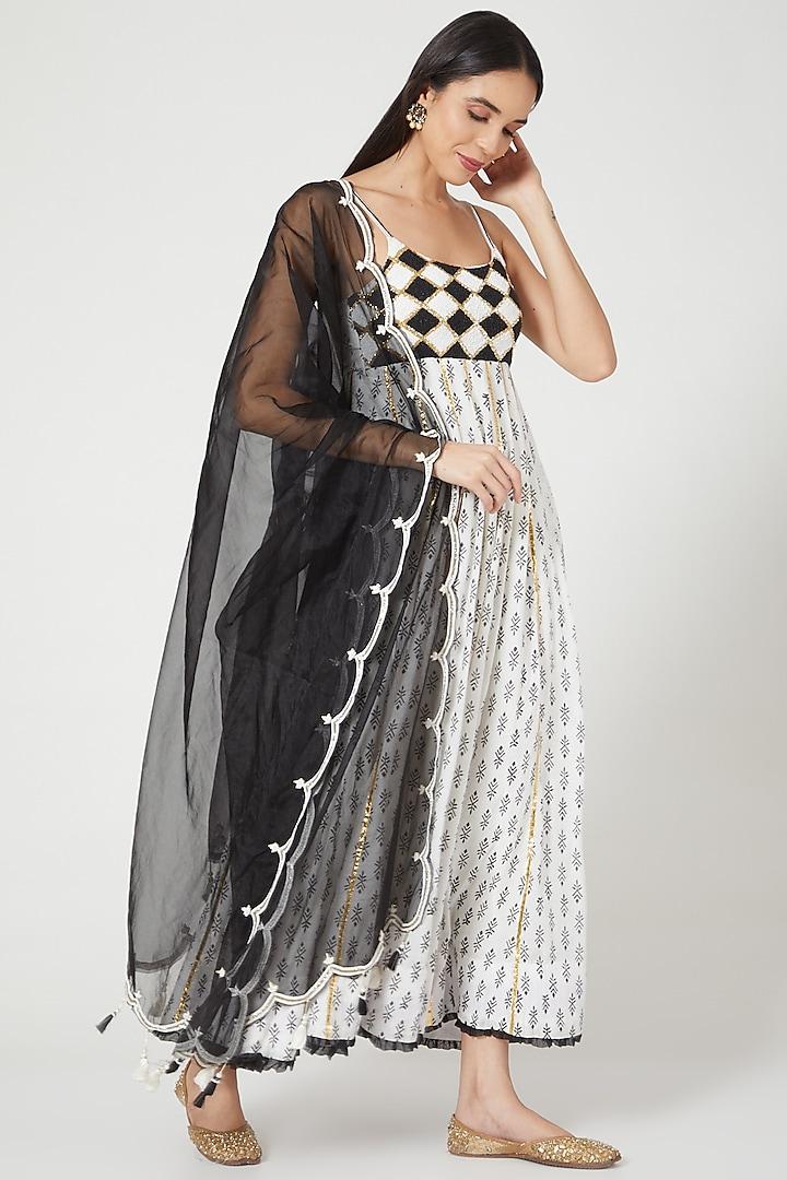 Black & White Hand Embroidered Anarkali Set by Yuvrani Jaipur