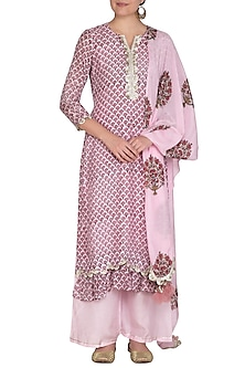 Blush Pink Block Printed Scalloped Kurta Set by Yuvrani Jaipur