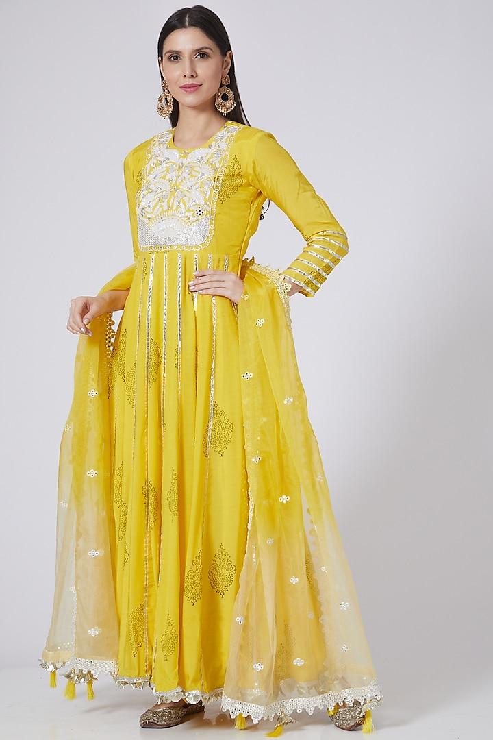 Yellow Hand Embroidered Anarkali Set by Yuvrani Jaipur