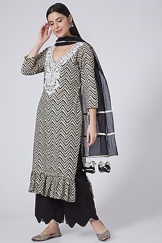 Black Embroidered Kurta Set by Yuvrani Jaipur