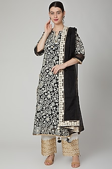 Black & Ivory Thread embroidered Kurta Set by Yuvrani Jaipur