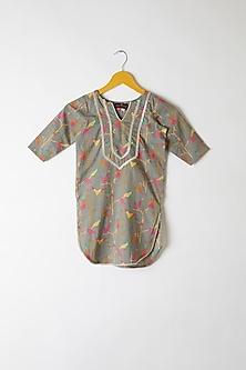 Grey Embroidered & Printed Kurta Set by Yuvrani Jaipur Kidswear