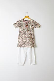 Grey Block Printed Kurta Set by Yuvrani Jaipur Kidswear