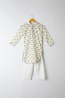 White Block Printed Kurta Set by Yuvrani Jaipur Kidswear