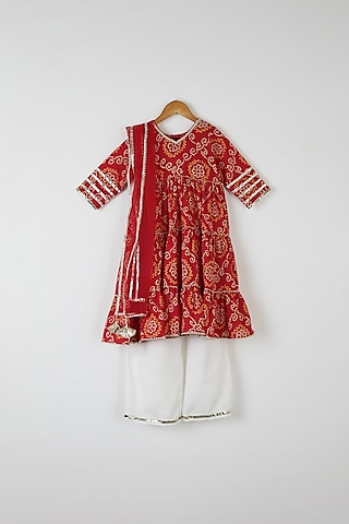 Red Bandhej Kurta Set by Yuvrani Jaipur Kidswear