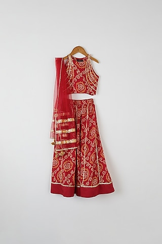 Red Bandhej Lehenga Set by Yuvrani Jaipur Kidswear