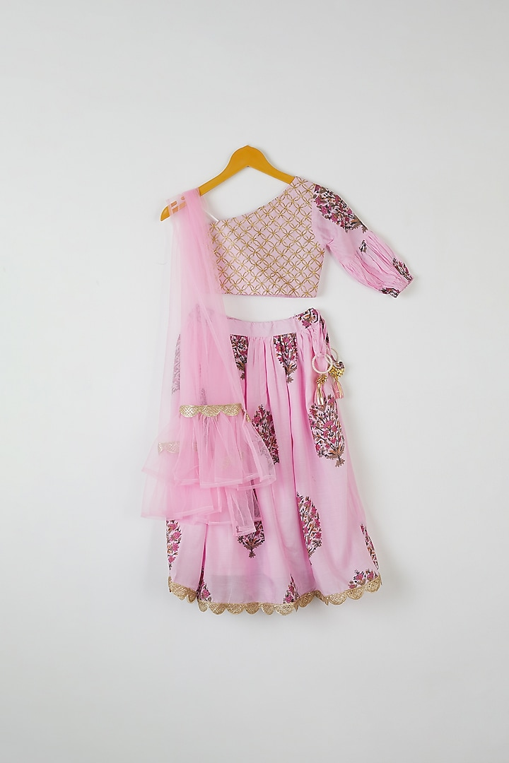 Pink Floral Printed Lehenga Set by Yuvrani Jaipur Kidswear