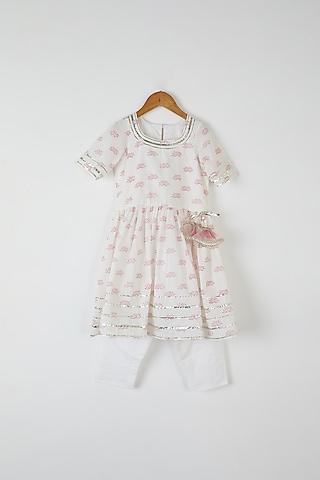 White Printed Kurta Set by Yuvrani Jaipur Kidswear
