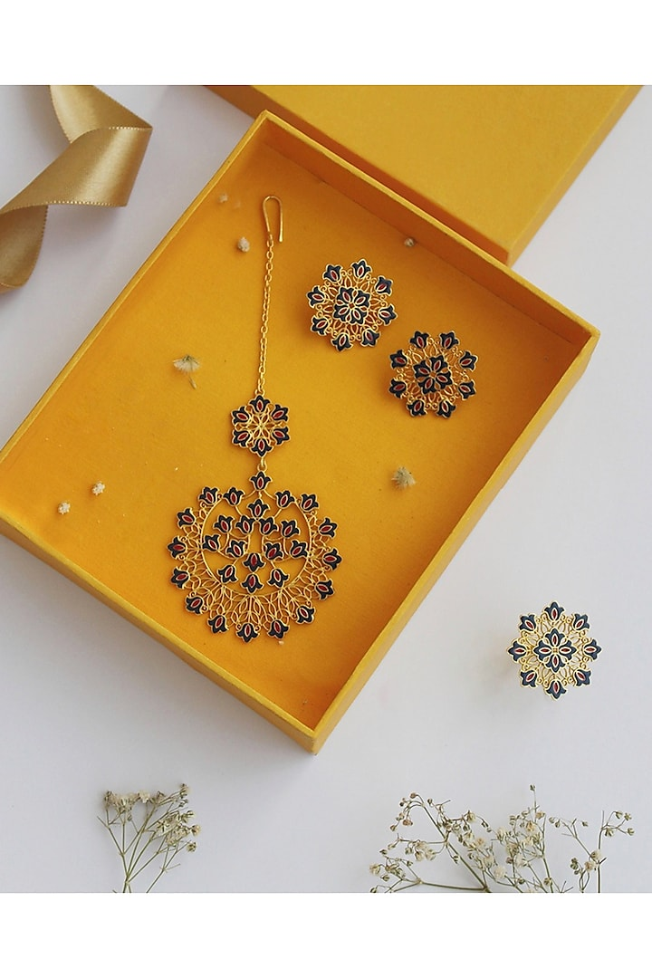 Gold Plated Earrings, Maang Tikka, & Ring Gift Box by Zariin