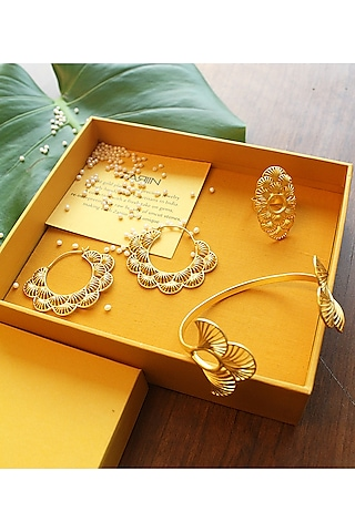 Gold Plated Jewellry Set In Gift Box by Zariin