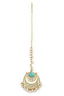 Gold plated turquoise and pearl beads filigree maang tikka by Zariin