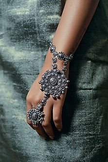 Black Rhodium Finish Hath Phool by Zariin