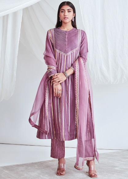 CLASSIC KURTA SETS-TOPPING THE TRENDS CHART